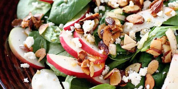 Ensalada de espinaca con manzana