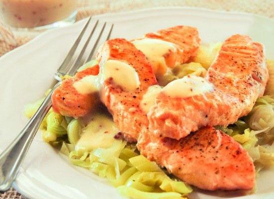 Salmon-con-puerro-y-salsa-b
